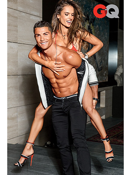 Cristiano Ronaldo Shows Off Abs on Sexy Cover of GQ's Body Issue