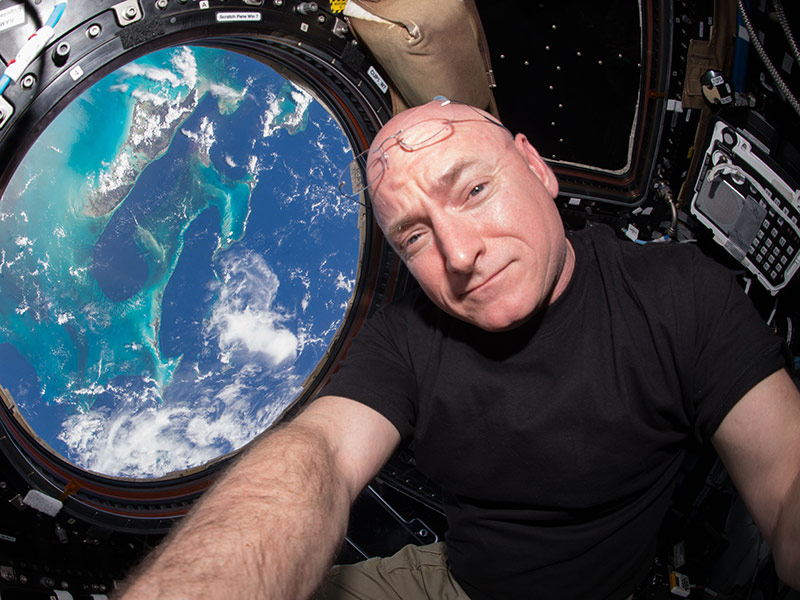 Scott Kelly Enjoys His 'First Salad on Earth'