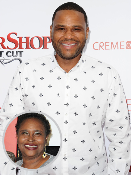 Anthony Anderson with Mom at Barbershop Premiere, Looks Back on Her Sacrifices