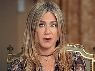 Jennifer Aniston's Mother Nancy Dow Has Died, She 'Passed Peacefully Surrounded by Family and Friends,' Says Actress