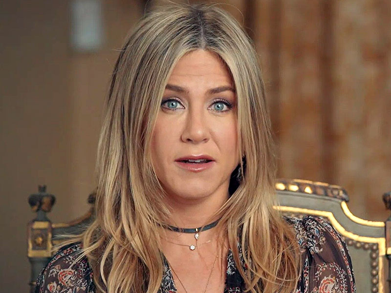 World's Most Beautiful: Jennifer Aniston Does The Cagle Exercise with ...