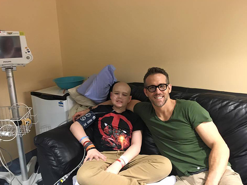 Ryan Reynolds Pays Tribute to Deadpool Fan Who Died of Cancer
