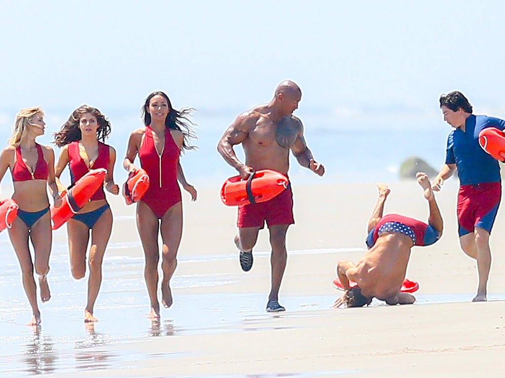 Zac Efron Falls While Filming on Baywatch Set