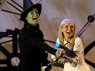 WATCH: A Wicked-ly Awesome Reunion: Idina Menzel and Kristin Chenoweth Sing a New Version of 'For Good'