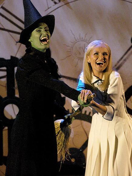 Wicked Reunion Video Idina Menzel Amp Kristin Chenoweth