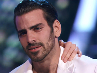 DWTS Winner Nyle DiMarco Brought to Tears After Carrie Ann Inaba Signs to Him: 'Thank You for Showing Us Your Beautiful Heart'