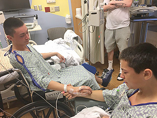 New York Teen Donates Kidney to Younger Brother: 'This Was My Chance to Save Him'