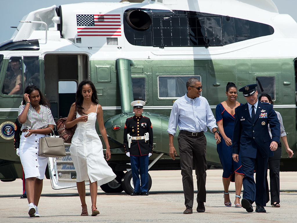 the obamas head to marthas vineyard for a twoweek family