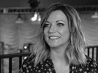 WATCH: Martina McBride Wants You to Forget Your Problems at Her Show – Also, a Barista and a Bathtub on Her Tour Bus Would Be Nice