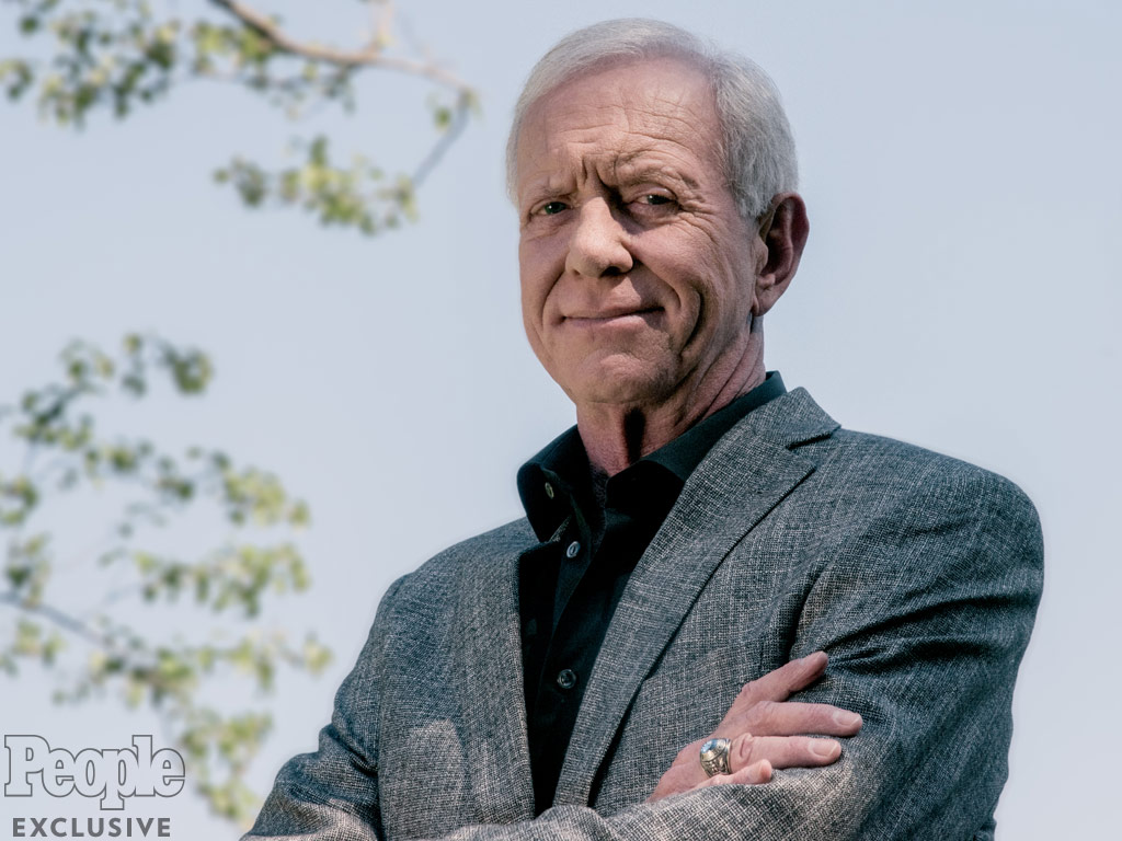 chesley sullenberger hero essay Hero pilot capt chesley sully sullenberger has penned an essay for newsweek magazine that reveals he intends to fly again for us airways and that he suffered posttraumatic stress after.
