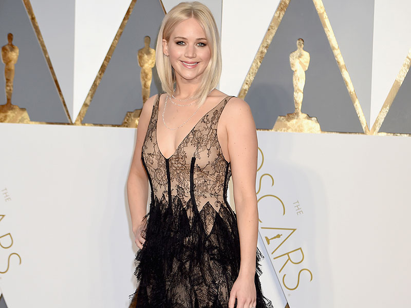 Jennifer Lawrence On Dating: 'What Dating Life?'