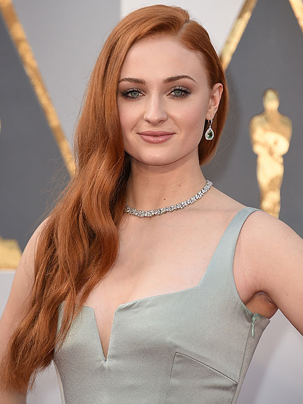 Oscars 2016: Sophie Turner Scans Game of Thrones Scripts for Her Death