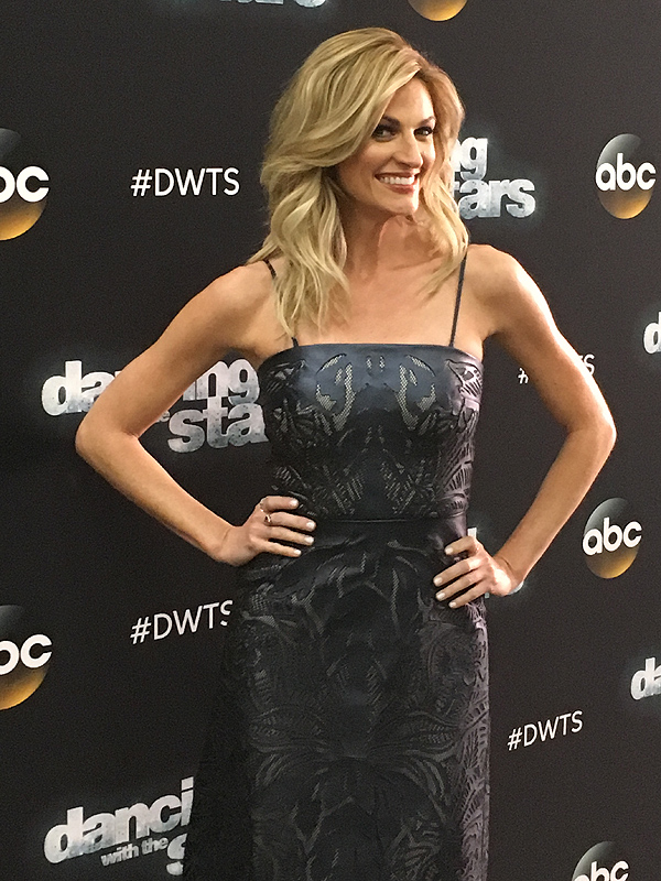 Erin Andrews to Miss Week 3 of DWTS to 'Support' Boyfriend Jarret Stoll 'Whose Nephew Passed Away'