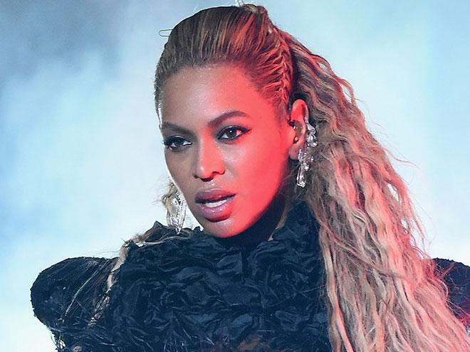 From Glowy Skin to Gilded Eyelids, Beyoncé's Makeup Artist Reveals the Secrets Behind Her VMAs Look
