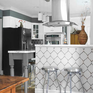 reverse pattern stenciled faux wallpaper pattern in kitchen, reader remodel contest 2013