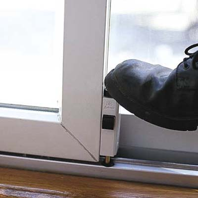 hands-free sliding door lock