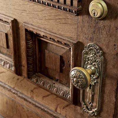 vestibule door with old hardware