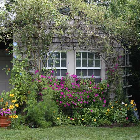 Unique elegance cottage gardens this old house for Cottage garden designs photos