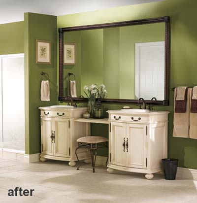 A mirror benefiting from a custom Moen Mirrorscape frame treatment