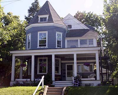 Paint  House on Singing The Blues   Choosing Exterior Colors   This Old House