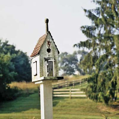 birdhouse at Ravenroyd