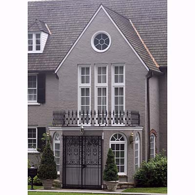 enclosed pentagon-shaped portico
