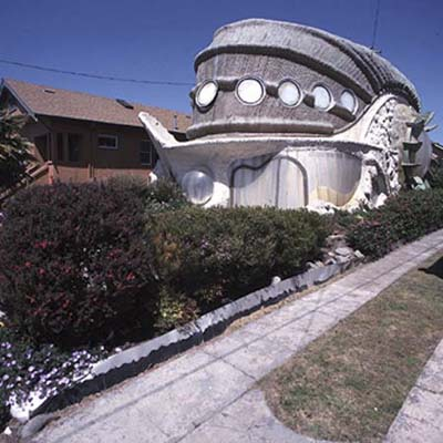tardigrade-shaped house in Berkeley, CA