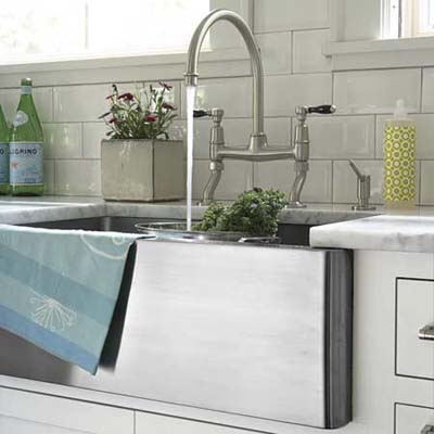 deep farmhouse kitchen sink