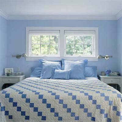 awning-style windows incorporated into the bed alcove of the master bedroom