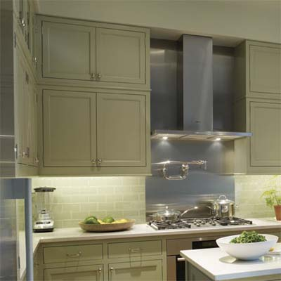 finished kitchen with double-height cabinets
