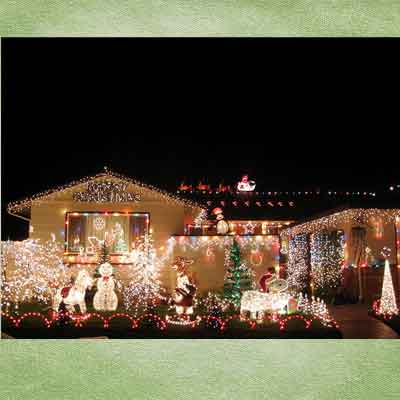 holiday decorated houses and holiday lights