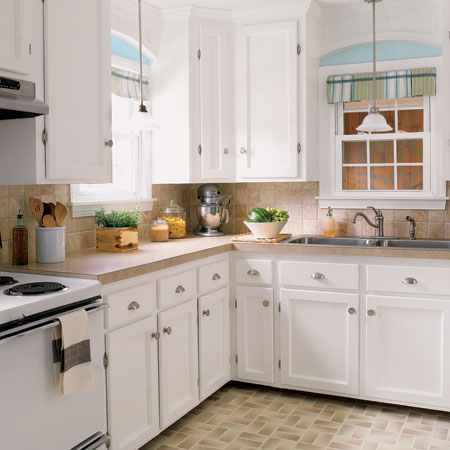 Budget kitchen redo a charming kitchen revamp for 1 527 for Budget kitchen cupboards
