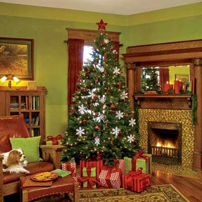 Christmas tree is green living room