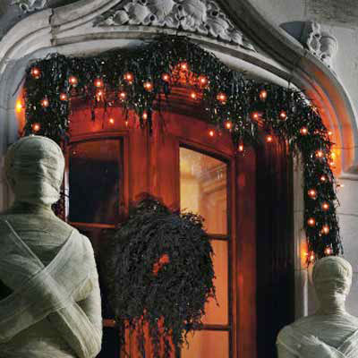 Dead Wreath and Garland | Spooky Halloween Home Decor | This Old House
