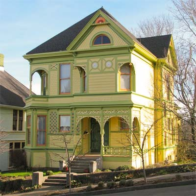 victorian house in astoria oregon