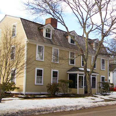 colonial house in South Kingstown, Rhode Island 