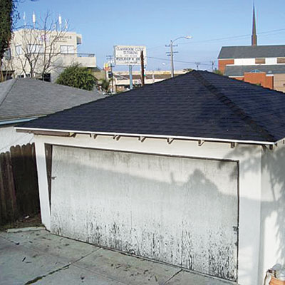 Garage of this bungalow before remodel