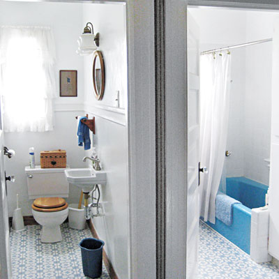 Second floor bathrooms before the remodeled of the Miller Pelaez home