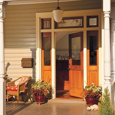 Folk victorian entryway