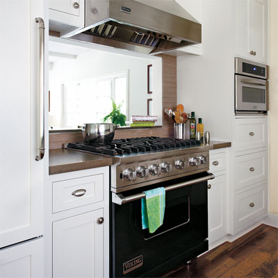 pro-style range in this sunny kitchen remodel