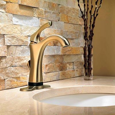 Hands-free bath faucet