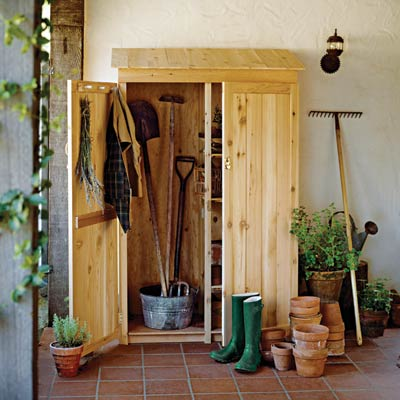 Garden tool shed 19 beautiful backyard building projects for Tools to build a house