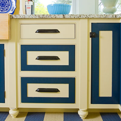 Kitchen With Cabinet Doors Painted Cream With Navy Borders