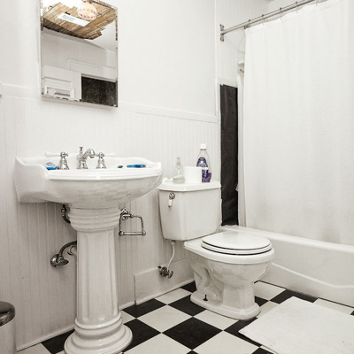reader budget remodel vintage bath before