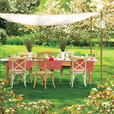 Dine Al Fresco to Turn Your Home Into a Staycation Resort