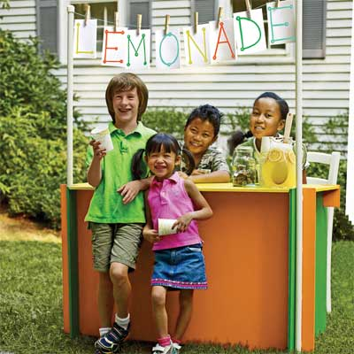 Build a Lemonade Stand to Turn Your Home Into a Staycation Resort