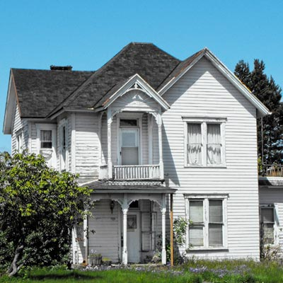 Queen Anne house in Tillamook, Oregon for sale through Save This Old House