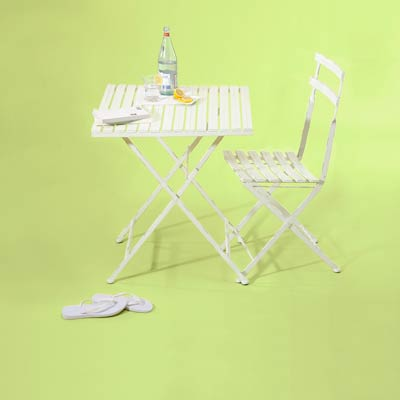 white bistro set made of steel