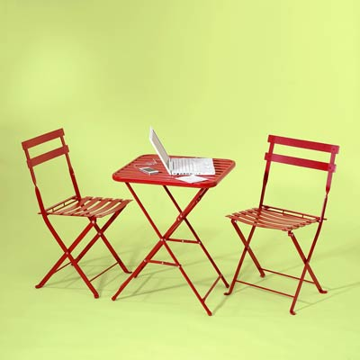 red bistro set made of steel