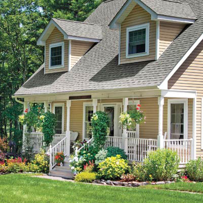 House huggers best foundation plants for stellar curb for Plants for landscaping around house